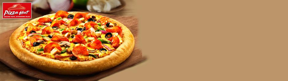 Cheesy delights at Rs 643! Medium pizza, garlic bread & more