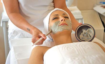 Rs 499 for facial, hair cut, hair spa & more!